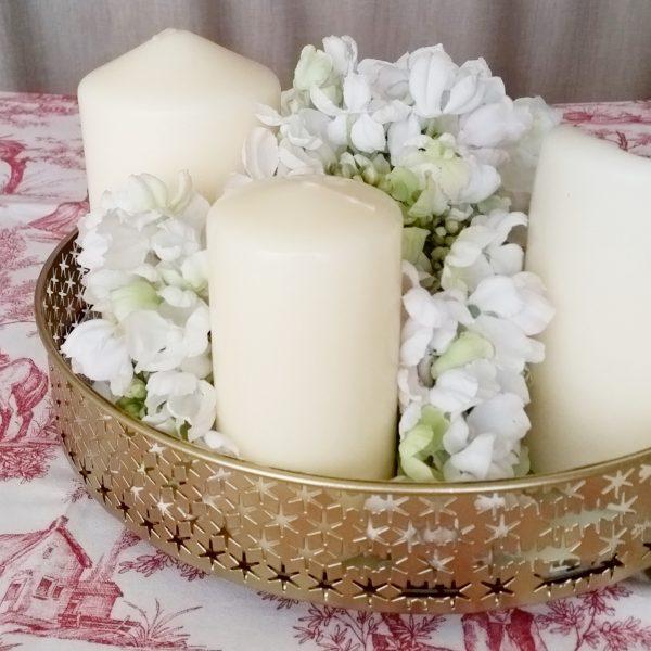 bandeja dorada velas flores 1400x1400