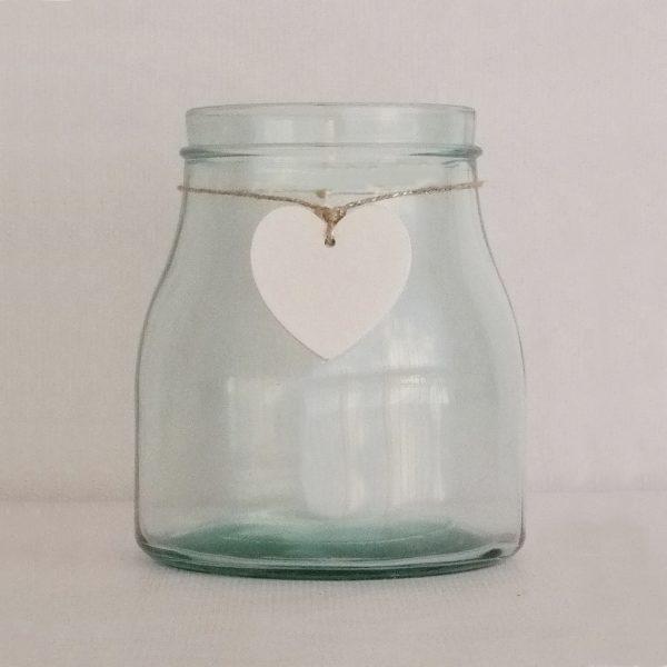 florero cristal con corazon blanco