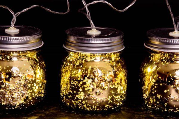 guirnalda tarros dorados noche 1942x1440