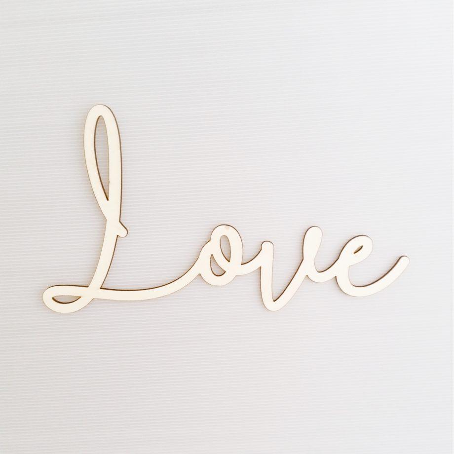 palabra love madera 1440x1440