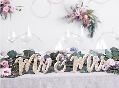 Mr and Mrs cursiva entorno s